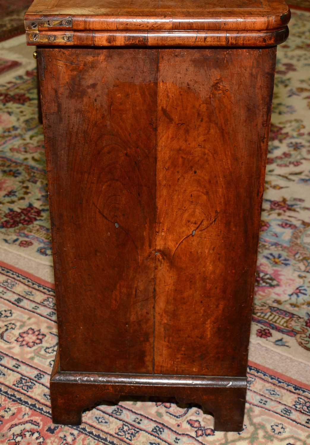 Early 18th Century walnut bachelors chest - Image 13 of 39