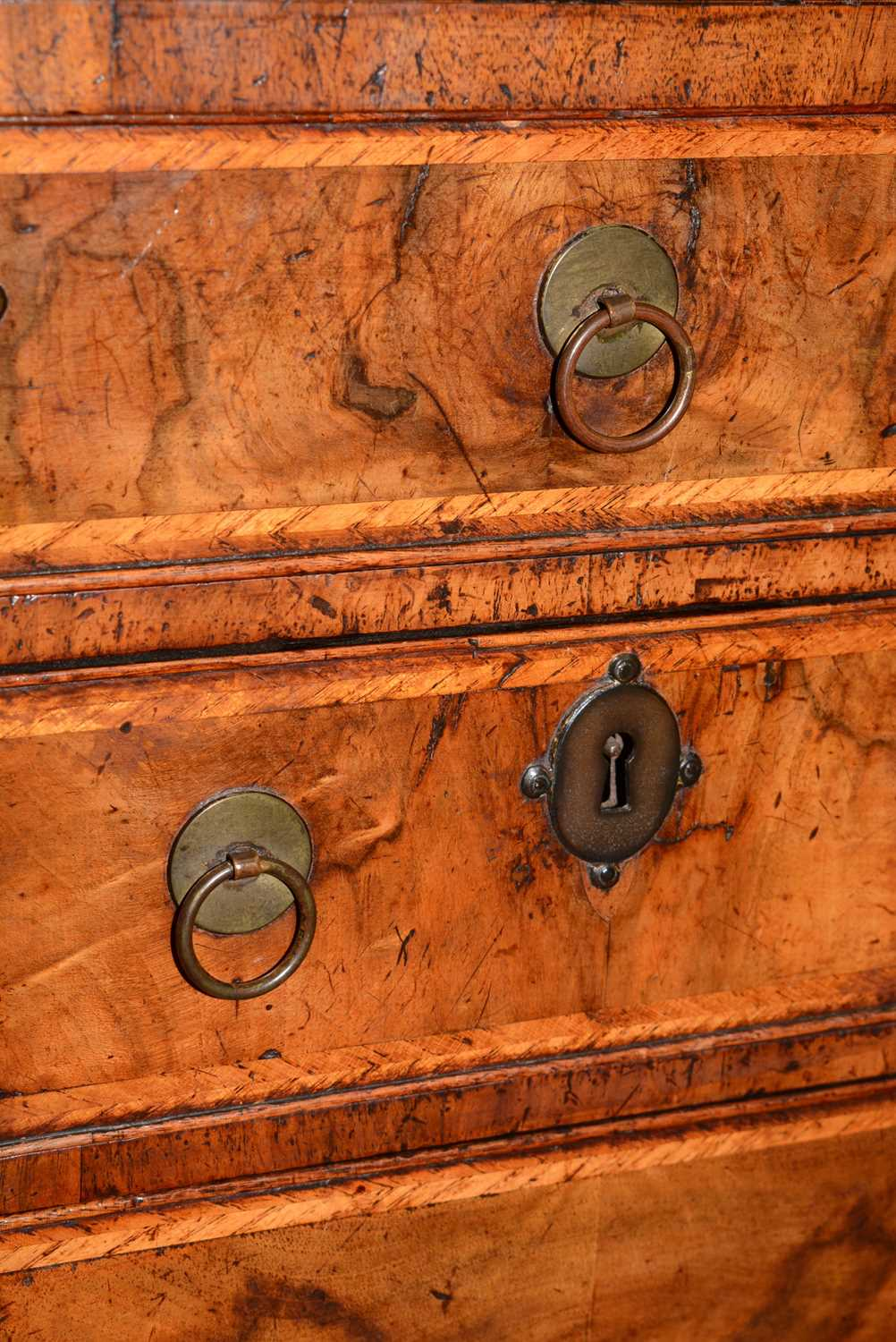 Early 18th Century walnut bachelors chest - Image 31 of 39