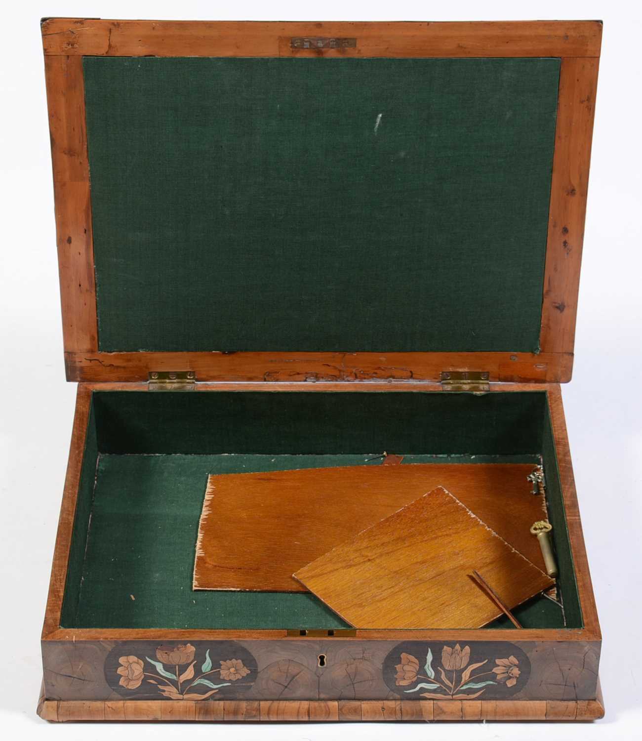 18th Century Dutch marquetry and oyster veneered lace box - Image 3 of 9