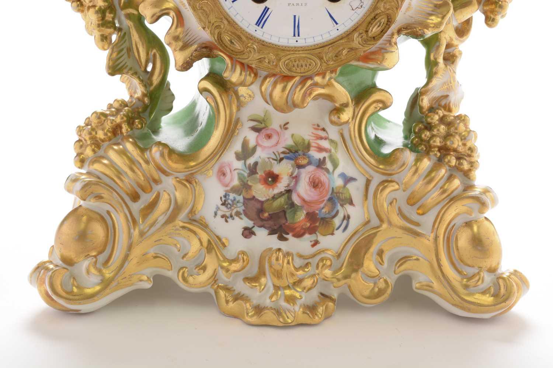 Jacob Petit porcelain mantel clock and stand - Image 5 of 20