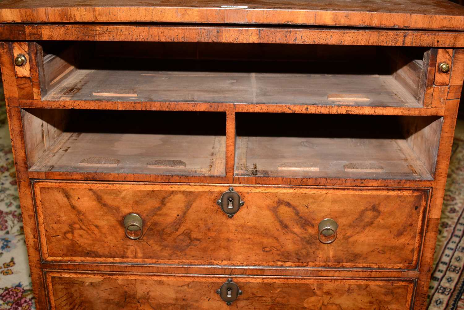 Early 18th Century walnut bachelors chest - Image 20 of 39