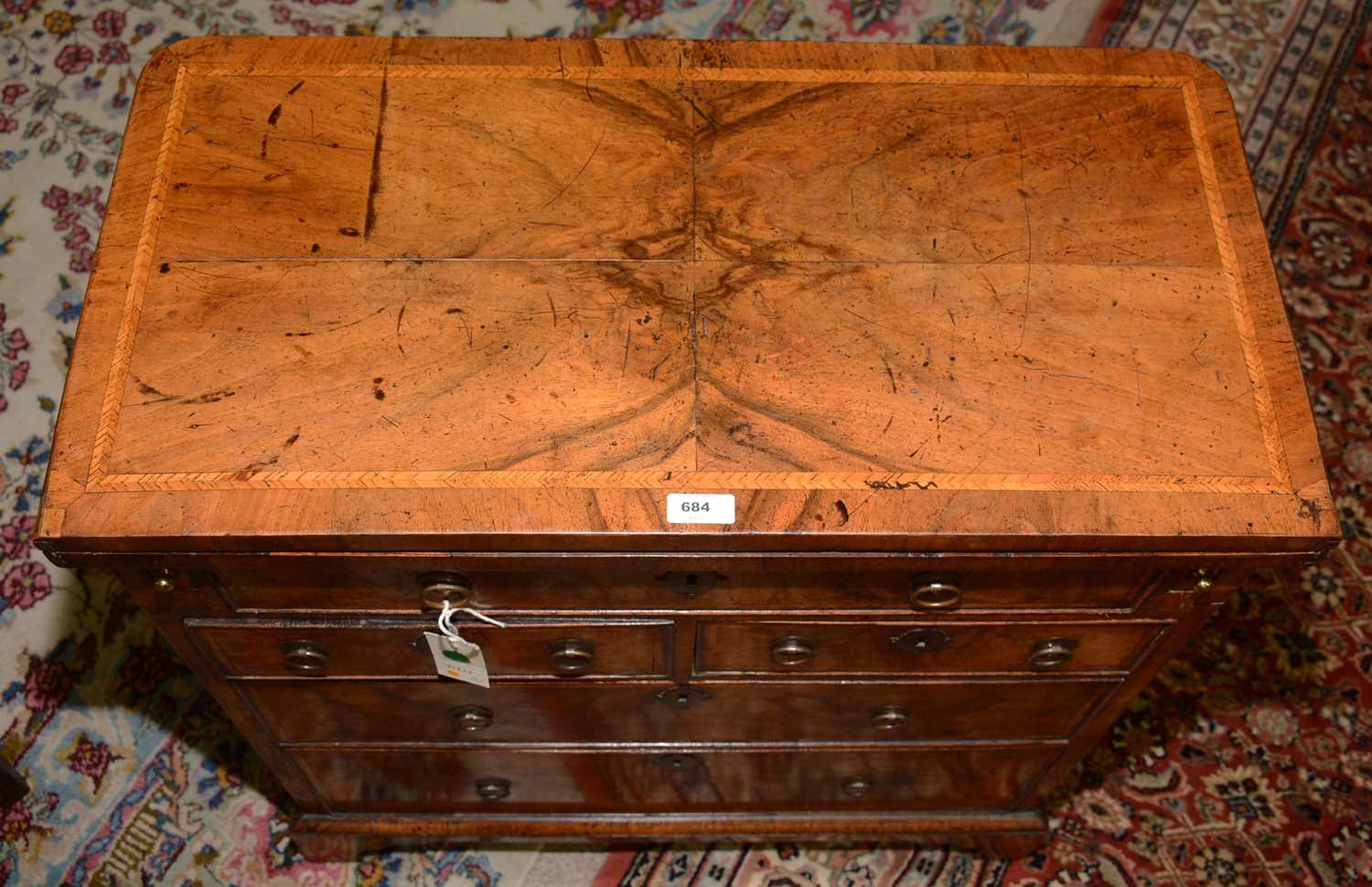 Early 18th Century walnut bachelors chest - Image 9 of 39