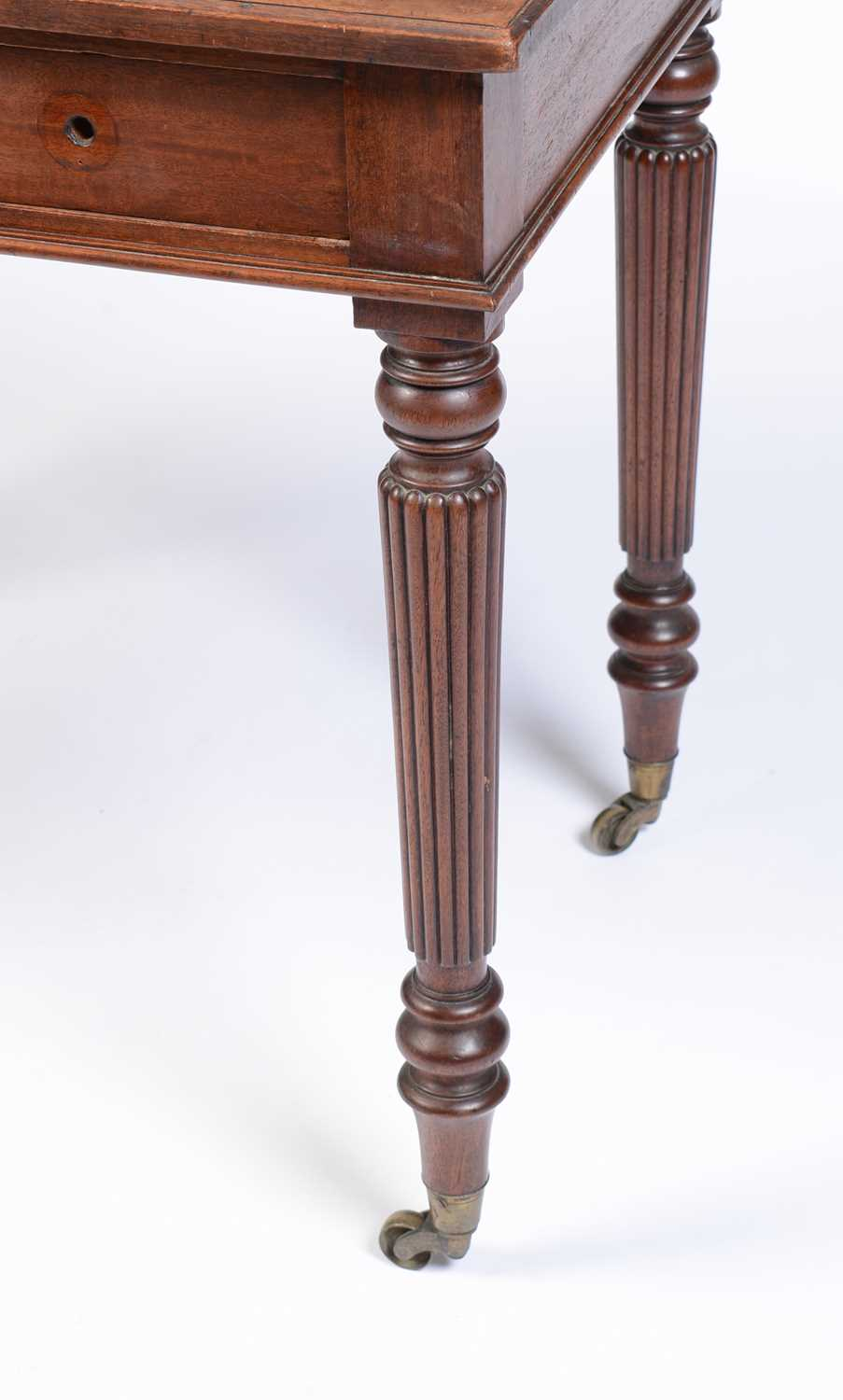 William IV mahogany writing desk stamped Gillow - Image 6 of 11