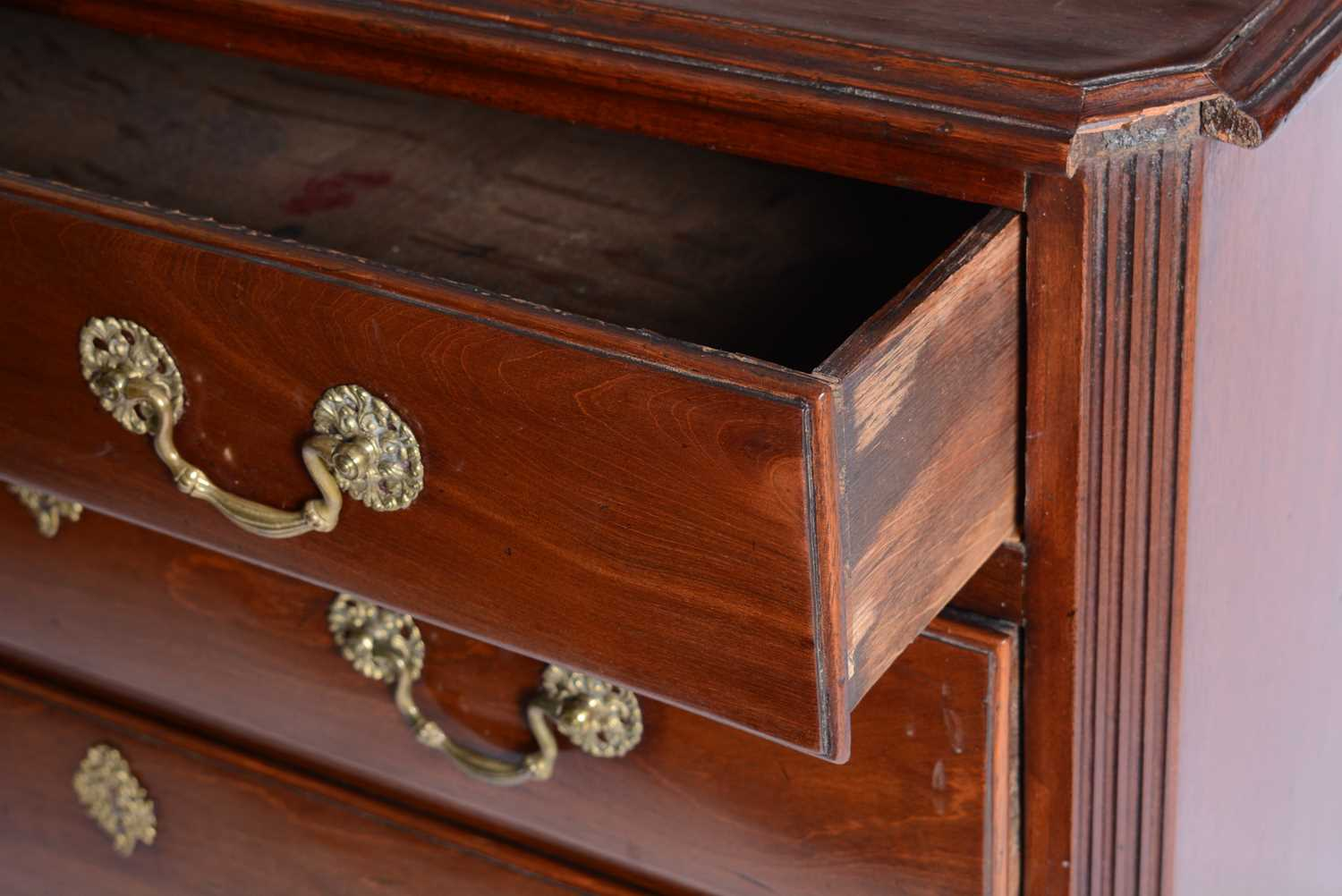Late George III mahogany chest of drawers - Image 3 of 5