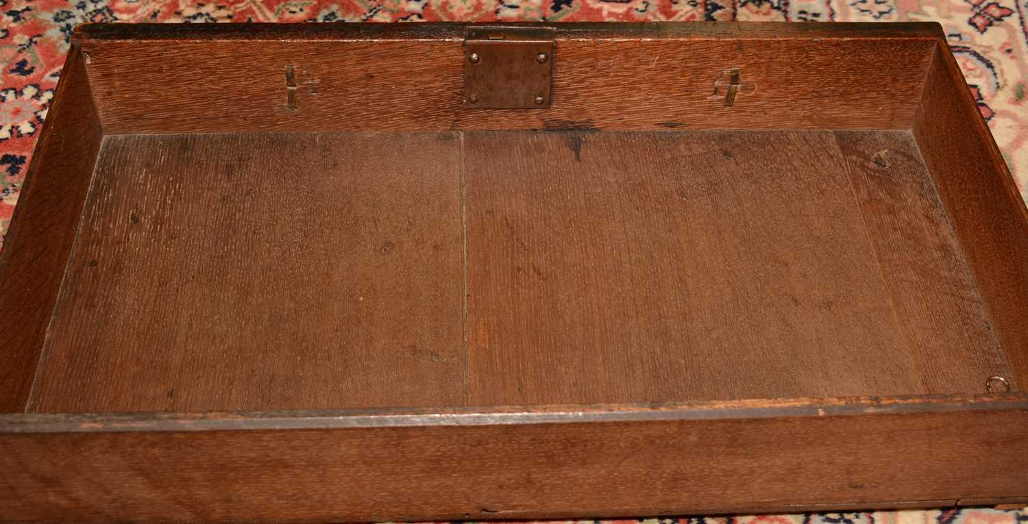 Early 18th Century walnut bachelors chest - Image 38 of 39