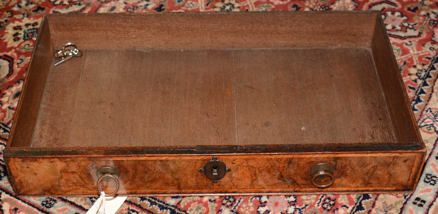 Early 18th Century walnut bachelors chest - Image 19 of 39