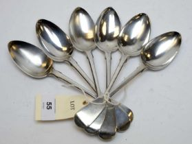 A set of six William IV silver dessert spoons.
