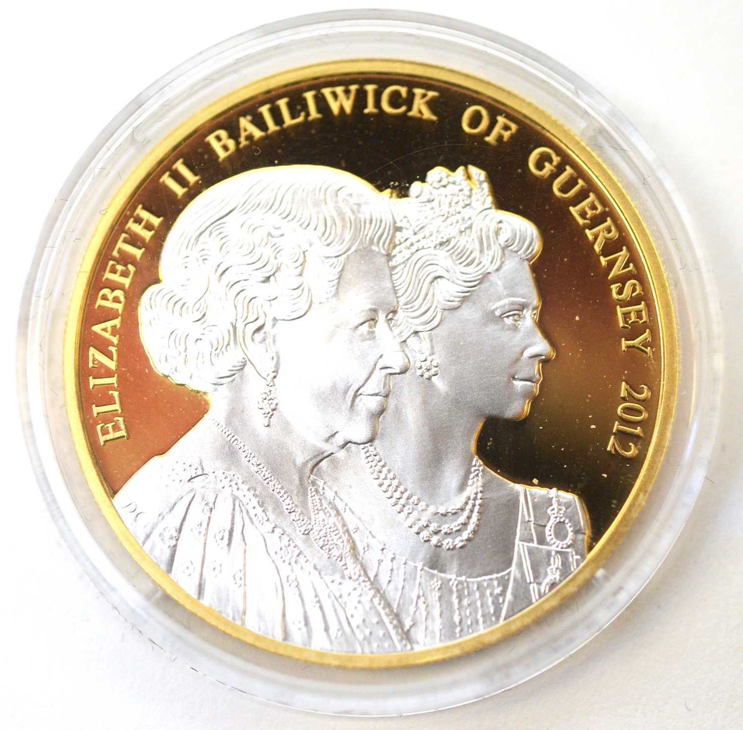 A Diamond Jubilee Guernsey £5 gold coin - Image 3 of 4