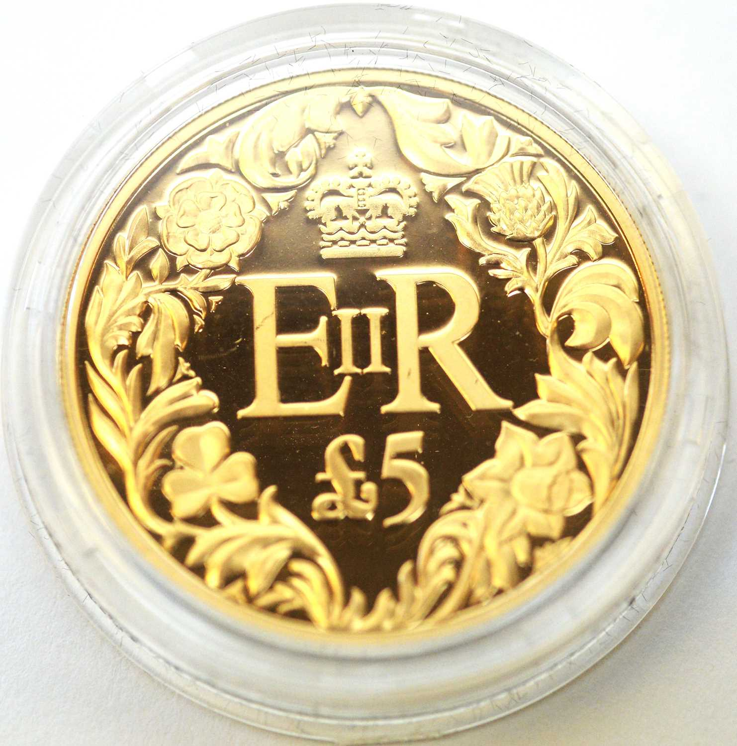 A Diamond Jubilee 22ct gold piedfort £5 Guernsey crown - Image 2 of 4