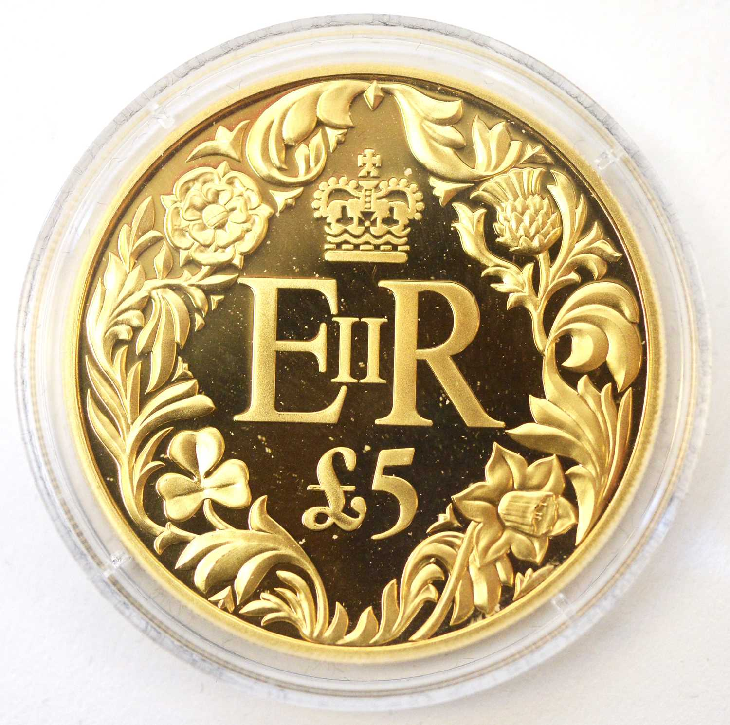 A Diamond Jubilee Guernsey £5 gold coin - Image 2 of 4