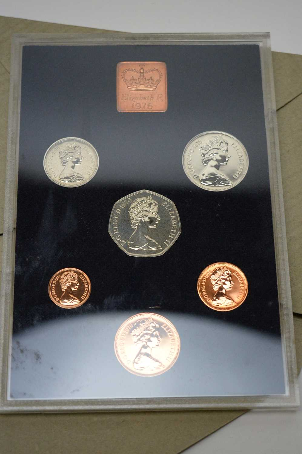 Royal Mint and Isle of Man annual coin sets - Image 4 of 5