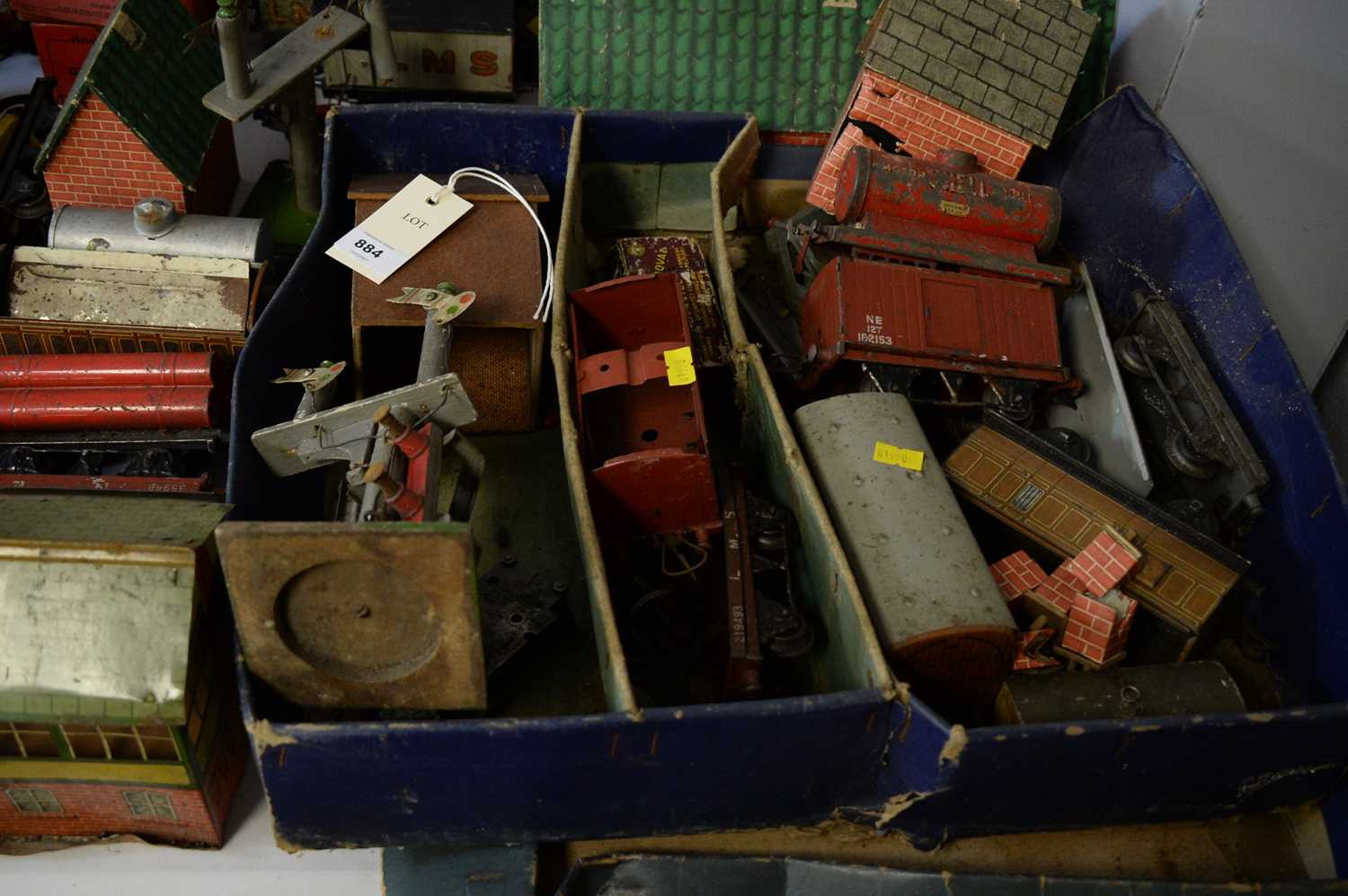 Qty 0-gauge model railway, and other accessories. - Image 2 of 3