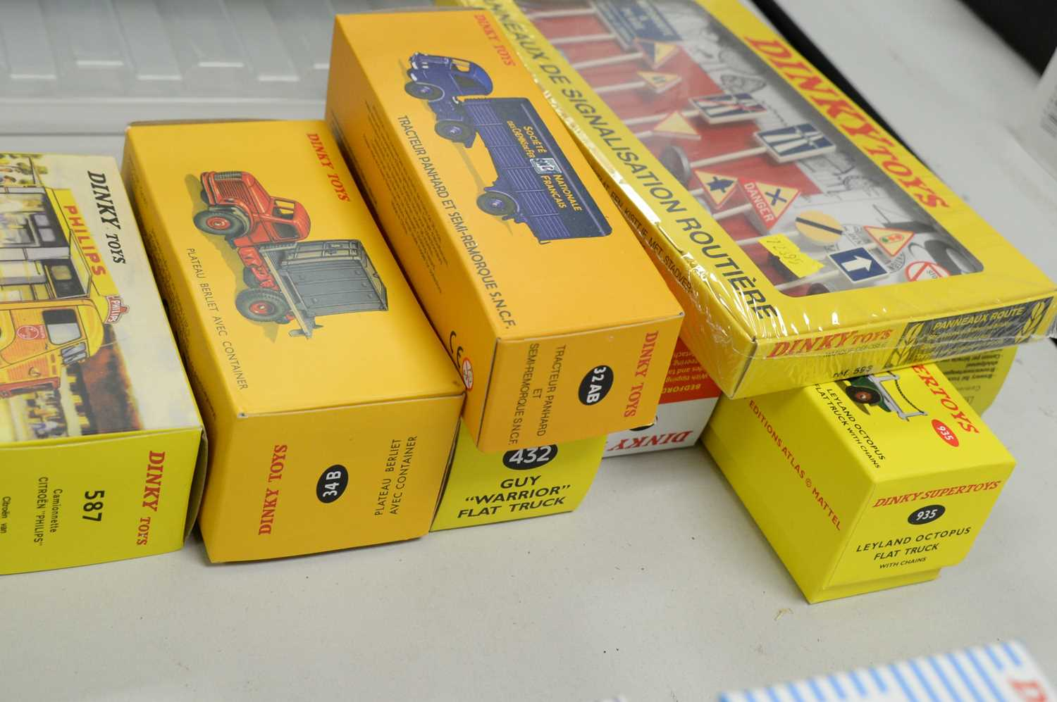 A collection of reproduction Dinky Toys diecast scale model vehicles. - Image 3 of 3