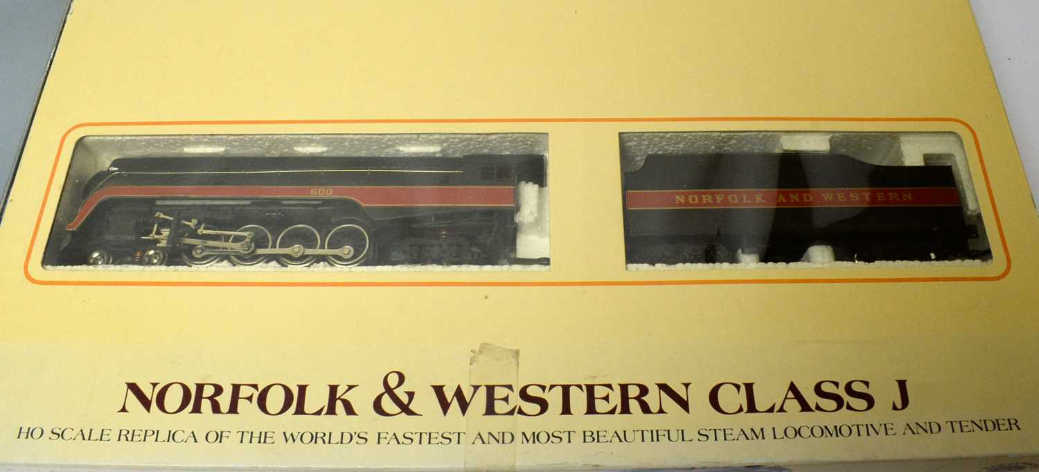 Two boxed Bachmann HO-gauge trains. - Image 3 of 4