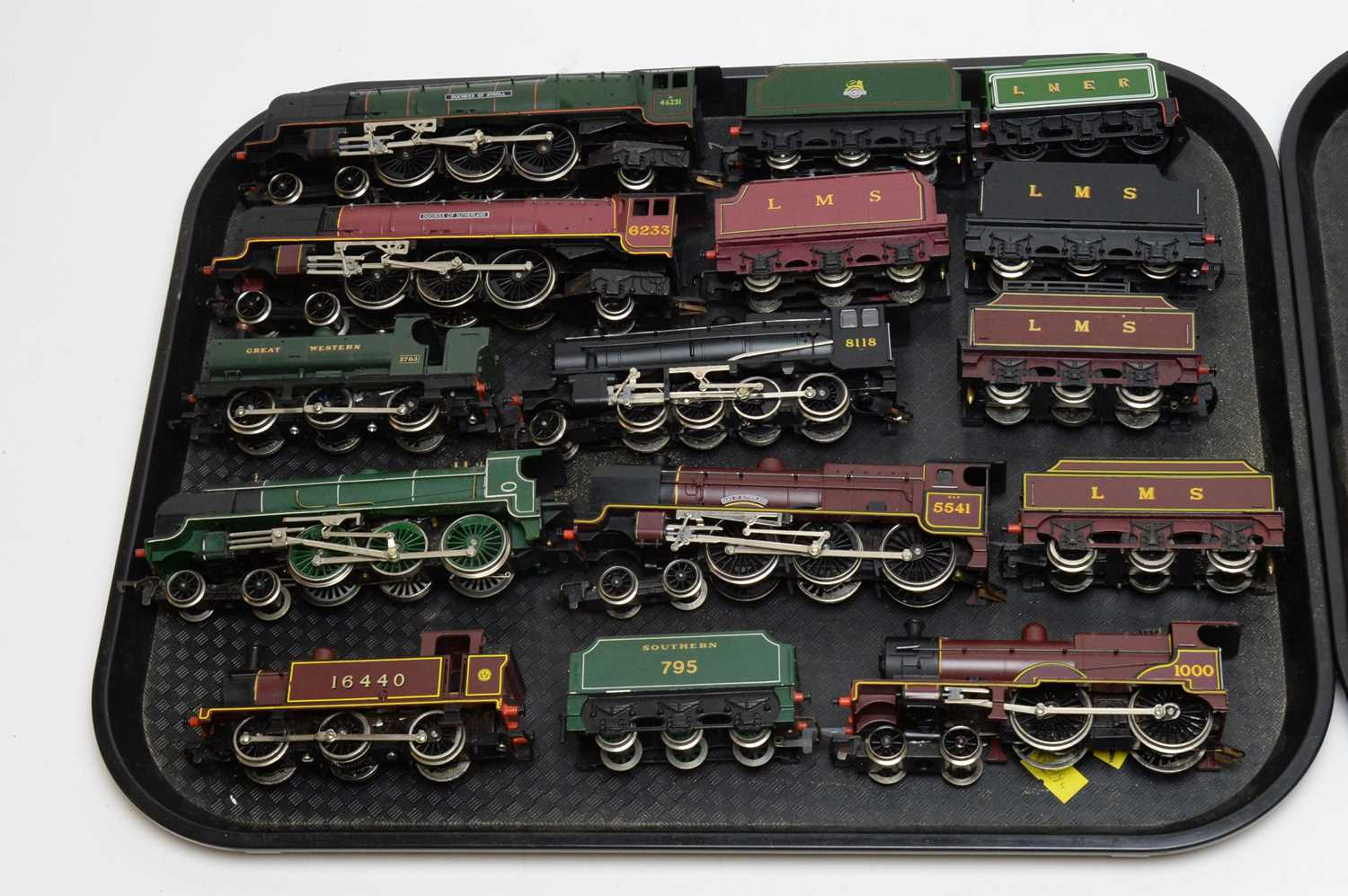 Fourteen unboxed Hornby 00-gauge locomotives with tenders and carriages. - Image 2 of 3