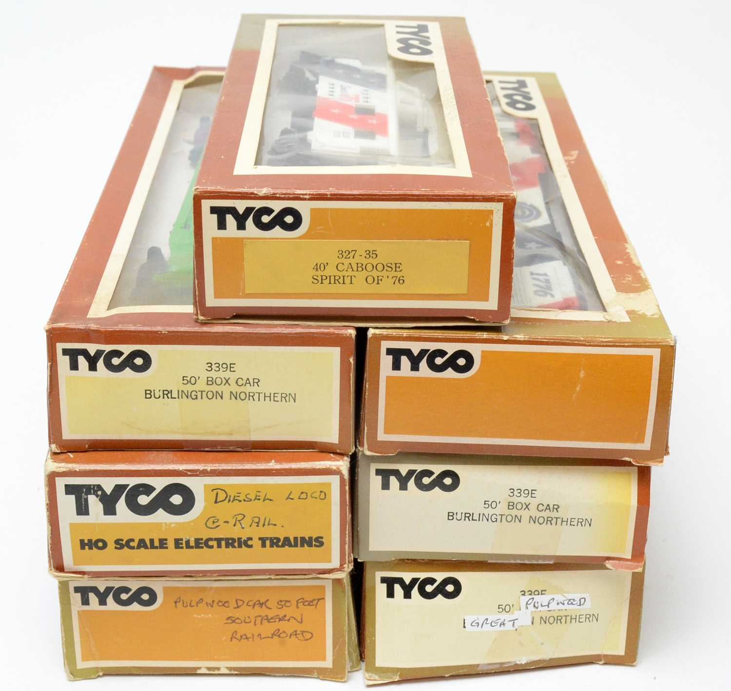 Seven boxed Tyco HO-gauge trains and rolling stock. - Image 2 of 2