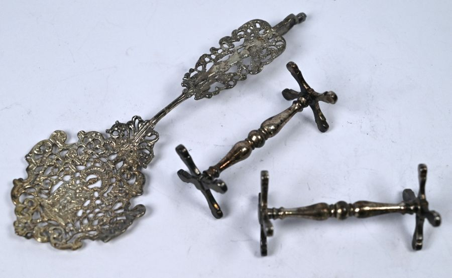 William IV silver knife rests and cabinet spoon