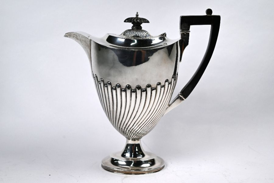 Late Victorian silver coffee pot - Image 3 of 5