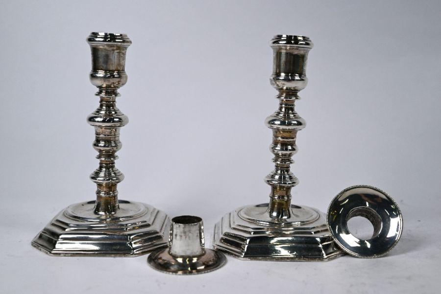 Pair of William III Britannia standard candlesticks, Andrew Raven, London 1699 - Image 2 of 8