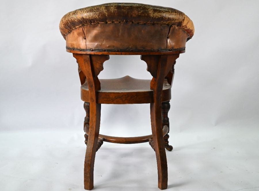 A Victorian mahogany chair with buttoned brown leather yoke back - Image 4 of 4