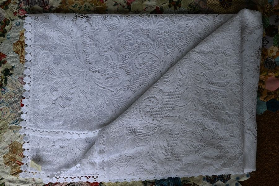 An Indian Sari embroidered wall-hanging, quilt and table linen - Image 3 of 3