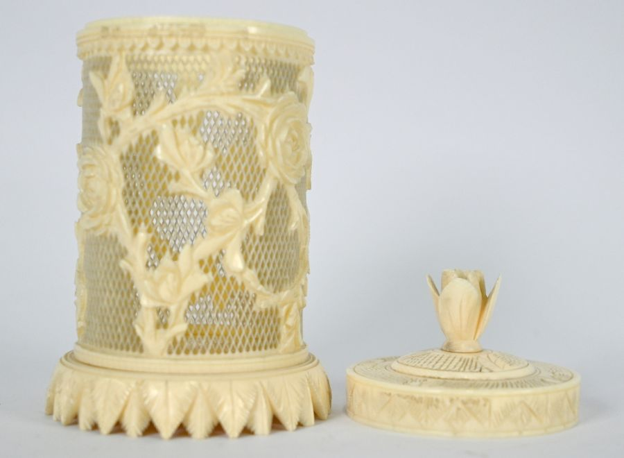 A Chinese ivory cricket cage and cover - Image 2 of 4