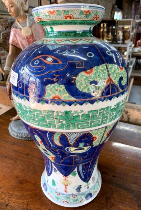 A Chinese wucai baluster vase, late Qing, 41 cm high - Image 5 of 12