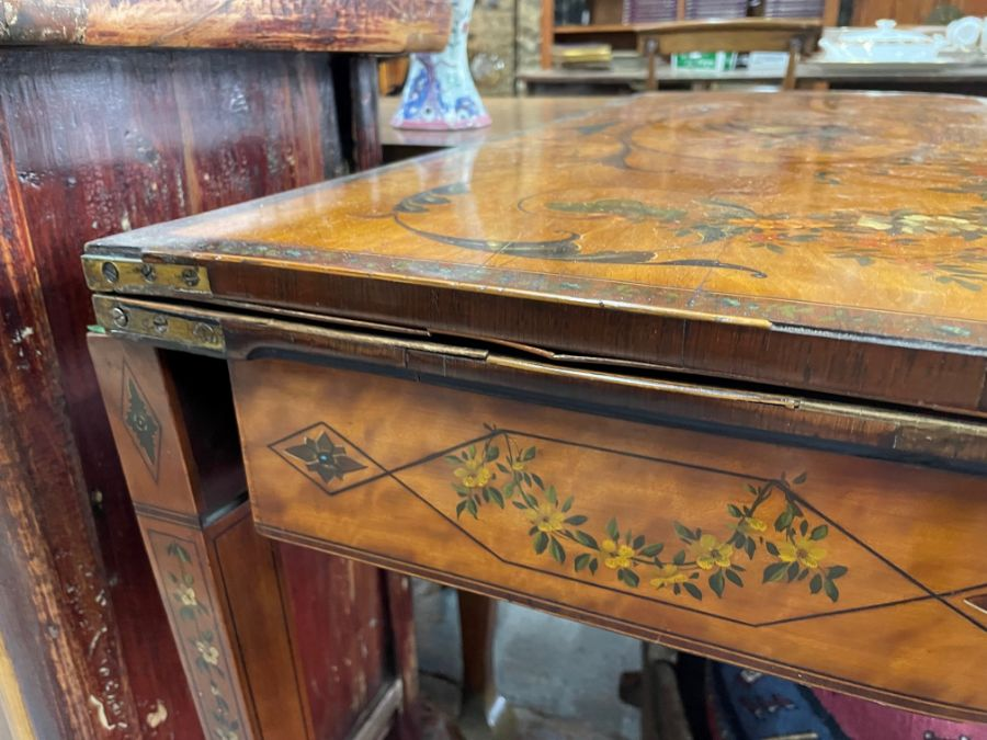 A 19th century polychrome decorated satinwood card table in the Sheraton style - Image 8 of 17