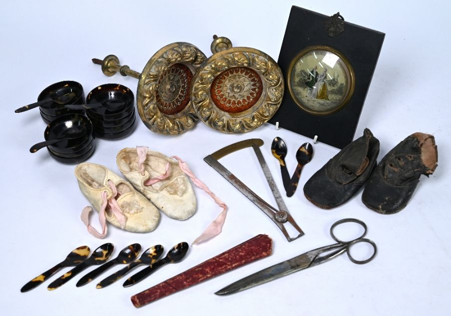 An oak casket and other mixed collectables