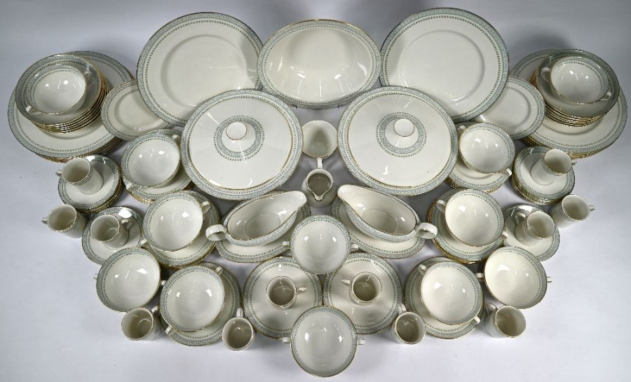 Extensive Royal Doulton 'Berkshire' pattern dinner/coffee service - Image 2 of 5