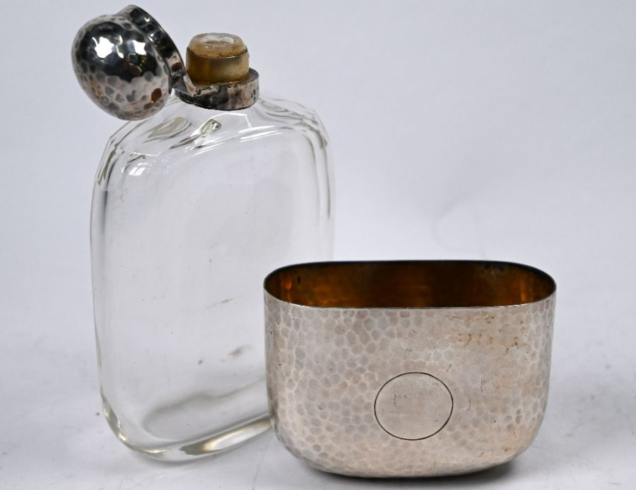 Victorian silver-mounted spirit flask - Image 2 of 3