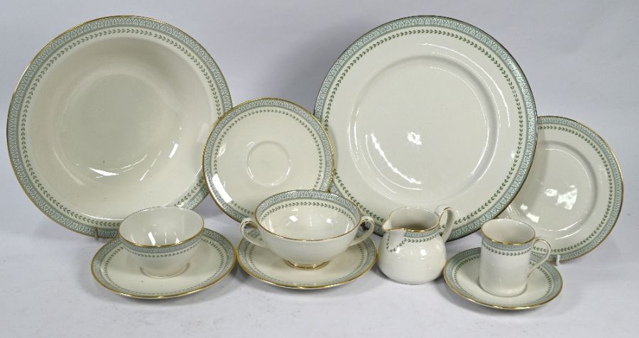 Extensive Royal Doulton 'Berkshire' pattern dinner/coffee service - Image 4 of 5