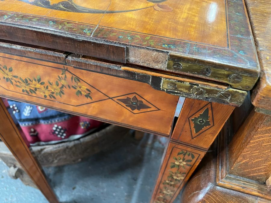 A 19th century polychrome decorated satinwood card table in the Sheraton style - Image 9 of 17