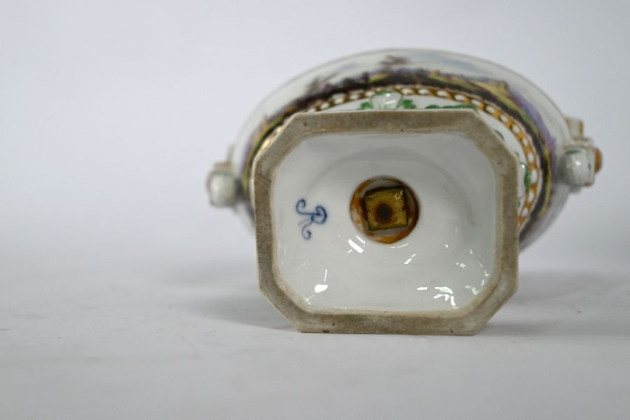 A pair of 19th century Meissen oval urns and covers - Image 4 of 4