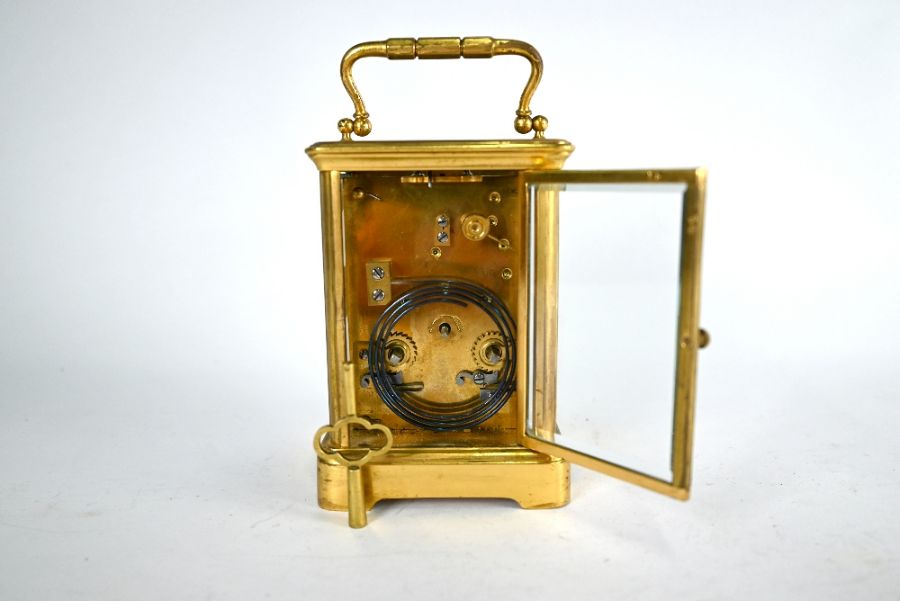 An antique brass two train 8-day carriage clock - Image 4 of 5