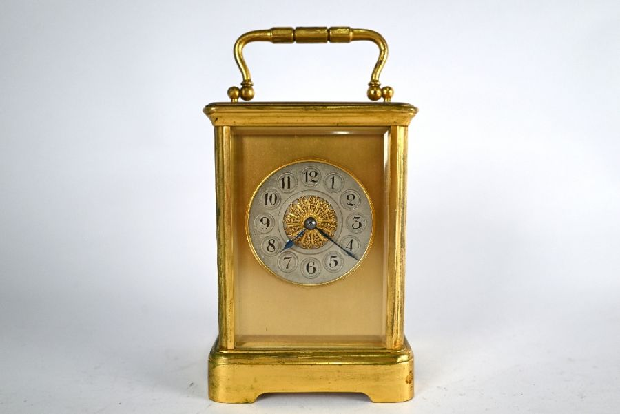 An antique brass two train 8-day carriage clock - Image 2 of 5