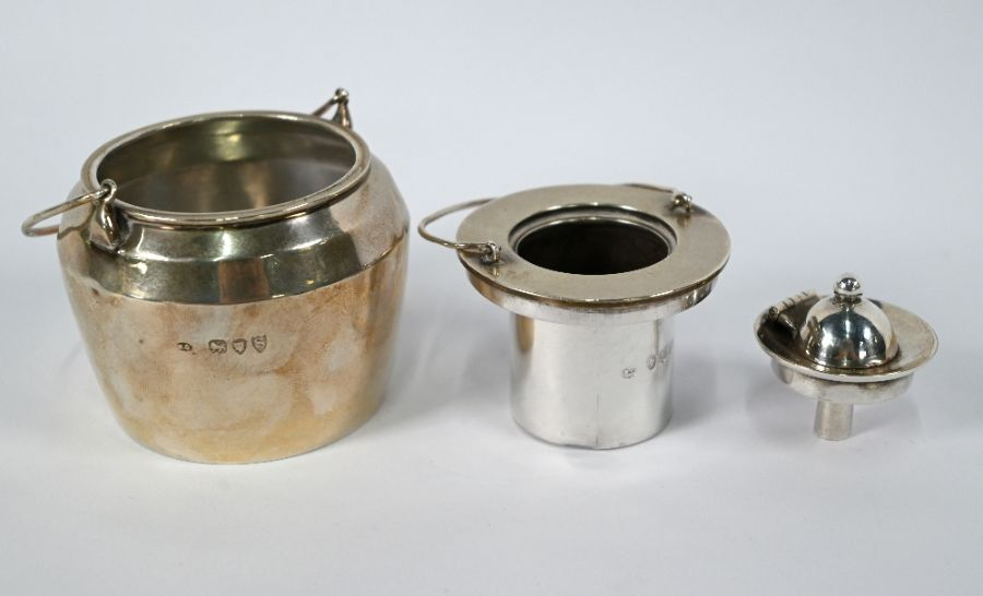 Victorian silver novelty 'glue pot' table lighter - Image 2 of 4