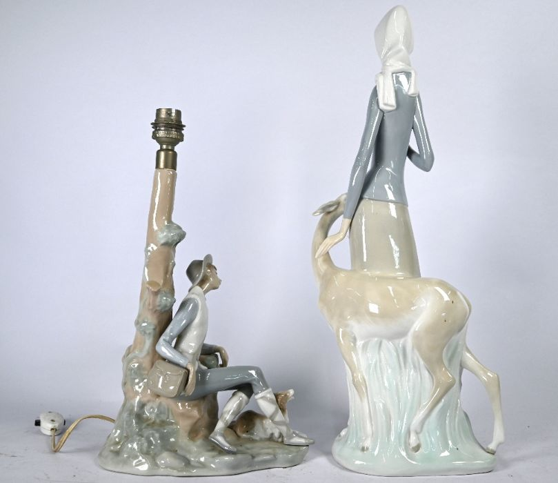 A large Lladro figure of a young woman - Image 4 of 5