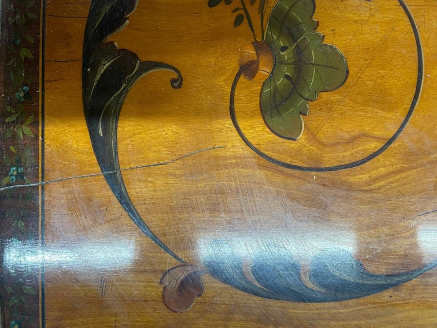 A 19th century polychrome decorated satinwood card table in the Sheraton style - Image 11 of 17