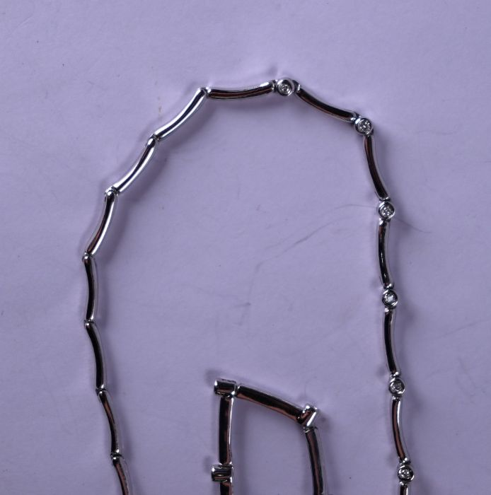 A white metal diamond set matching necklace and bracelet - Image 3 of 3