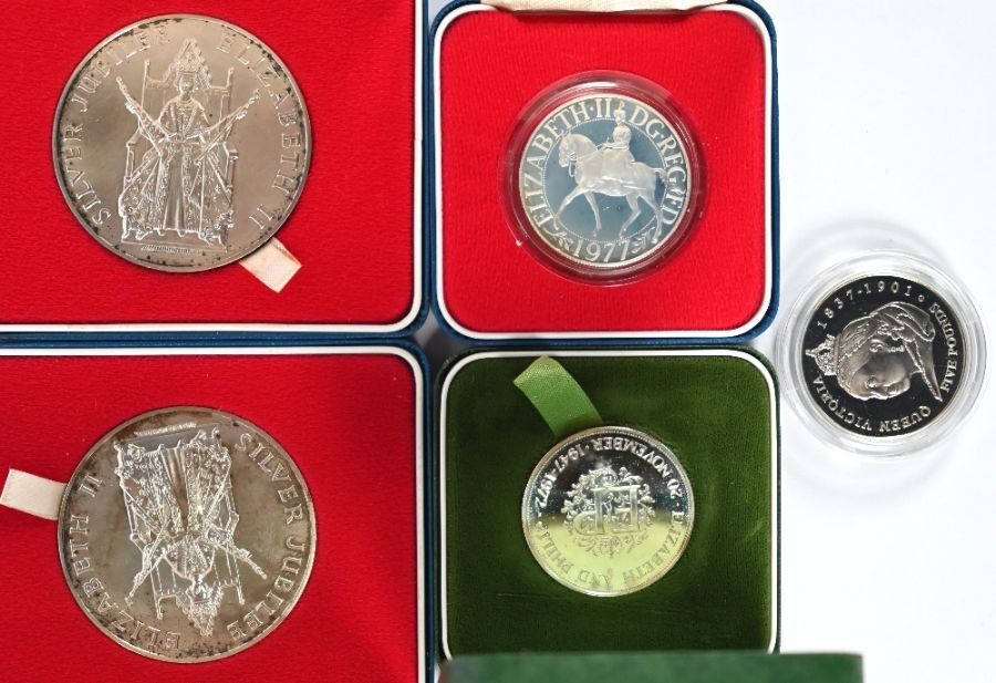 Various Royal Mint silver medallions and crowns - Image 2 of 5