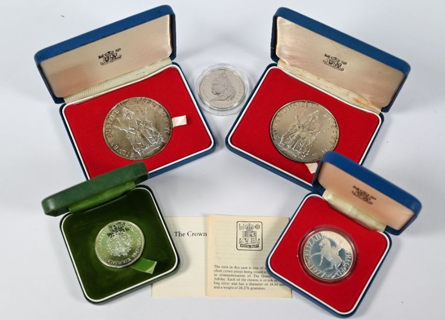 Various Royal Mint silver medallions and crowns