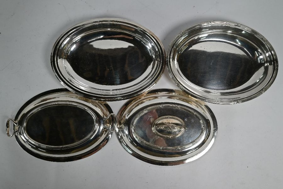 Electroplated soup tureen and four entrée dishes and covers - Image 3 of 4