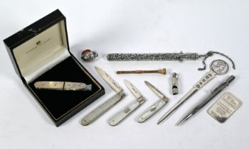 Oddments of silver, etc.