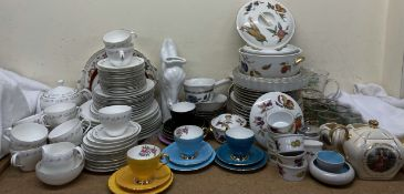 A Royal Worcester bridal lace part dinner set together with a Royal Worcester Evesham pattern part