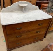 A Victorian marble topped mahogany wash stand / chest,
