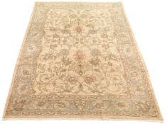 Fine Hand-Knotted Tabriz Carpet