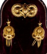 ANTIQUE VICTORIAN BROOCH AND PAIR OF EARRINGS