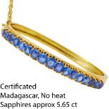 CERTIFICATED SAPPHIRE HINGED BANGLE
