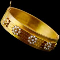 ANTIQUE VICTORIAN PEARL HINGED BANGLE